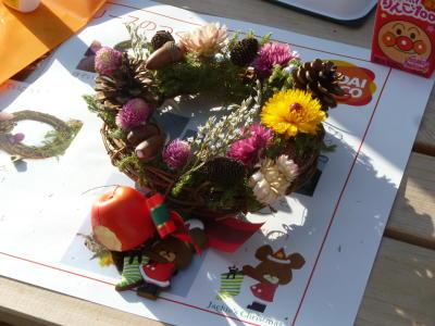 岩手県陸前高田市で子ども達とクリスマスリース作りを行いました。